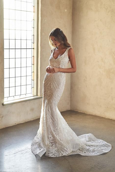 Lexi Trumpet Wedding                                          dress by Anna Campbell