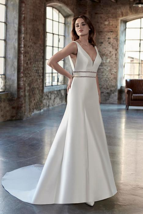 Style AT6689 gown from the 2019 Venus Bridal: Angel & Tradition collection, as seen on dressfinder.ca