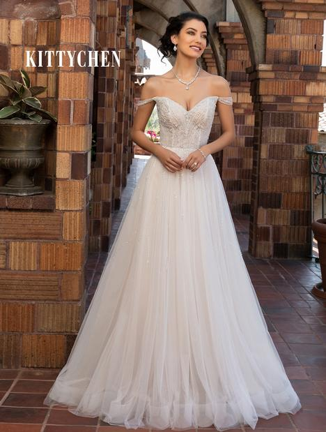 Amia Wedding                                          dress by KittyChen