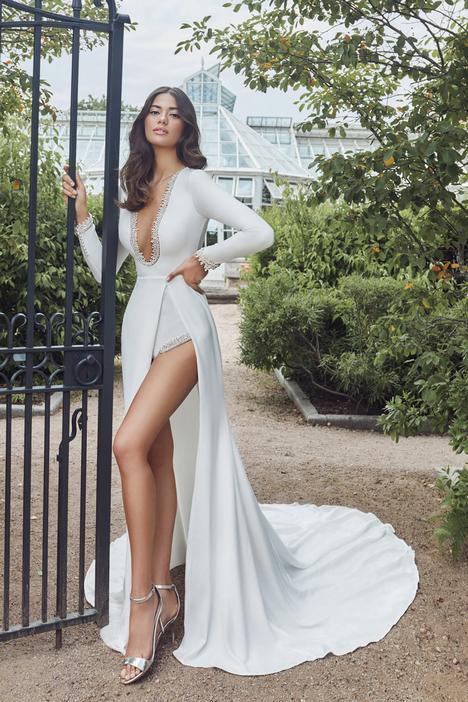 Freya Wedding                                          dress by Calla Blanche