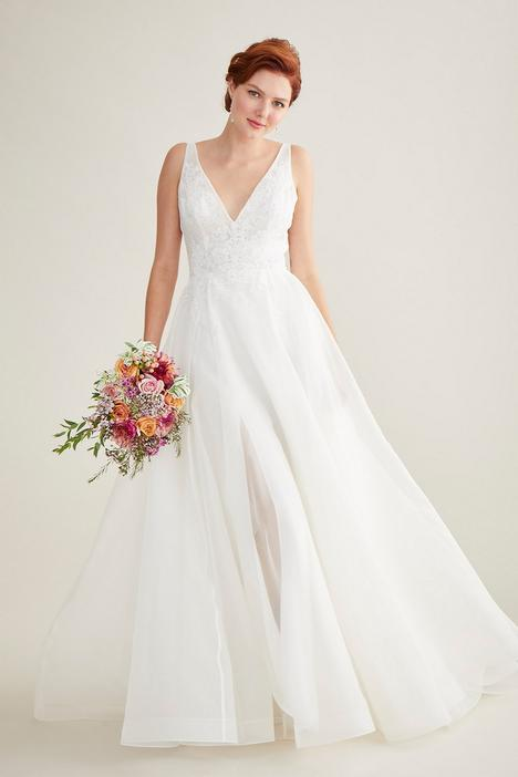 Lyra Wedding                                          dress by Lea-Ann Belter