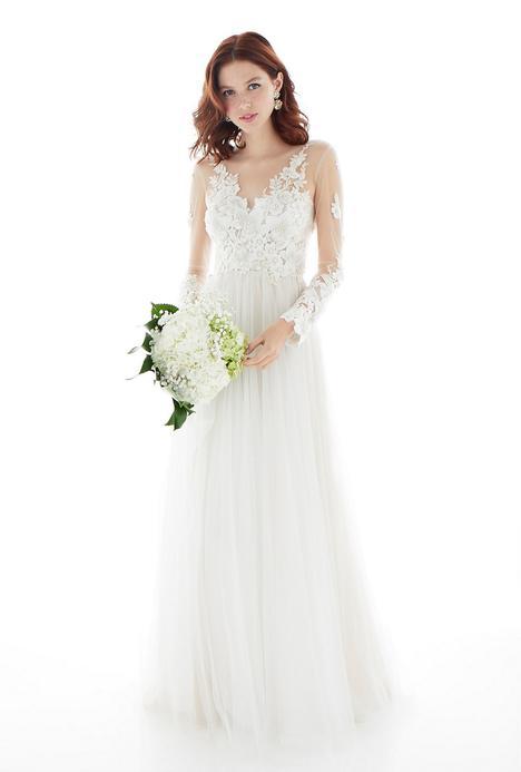 Larissa Wedding                                          dress by Lea-Ann Belter