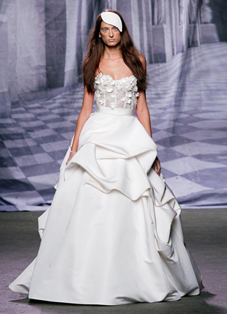 Meringue gown from the 2009 Monique Lhuillier collection, as seen on dressfinder.ca