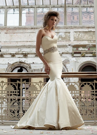 3166 gown from the 2011 Lazaro collection, as seen on dressfinder.ca