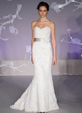 9102 Wedding                                          dress by Alvina Valenta