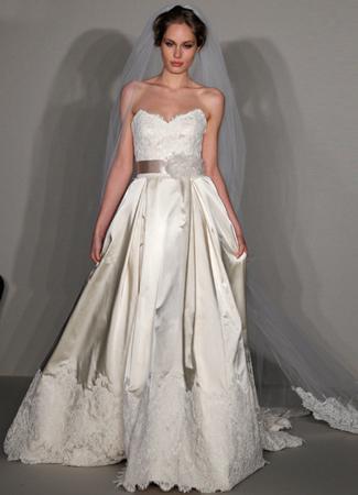 9215 Wedding                                          dress by Alvina Valenta