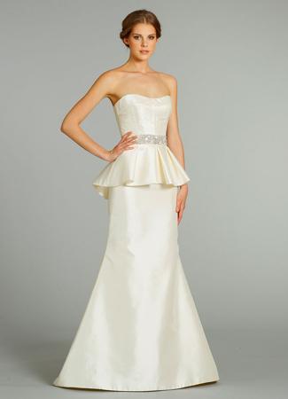 9251 Wedding                                          dress by Alvina Valenta