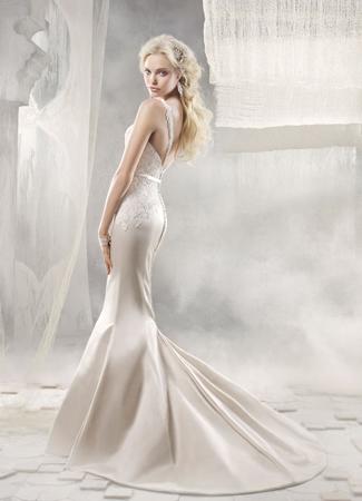 9256 Wedding                                          dress by Alvina Valenta