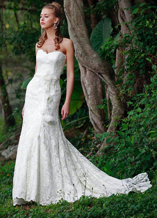 Jessie gown from the 2012 Augusta Jones collection, as seen on dressfinder.ca