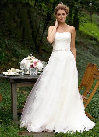 Juno Wedding                                          dress by Augusta Jones
