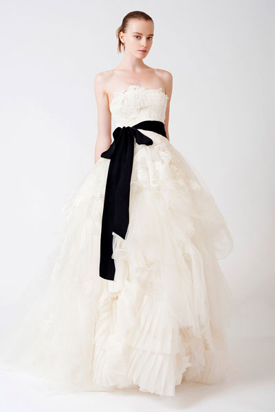 Eliza gown from the 2011 Vera Wang collection, as seen on dressfinder.ca