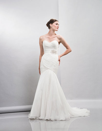 Erin gown from the 2013 Lis Simon collection, as seen on dressfinder.ca