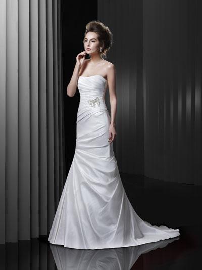BT13-3 Wedding                                          dress by Enzoani Beautiful Bridal