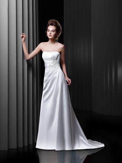 BT13-11 Wedding                                          dress by Enzoani Beautiful Bridal