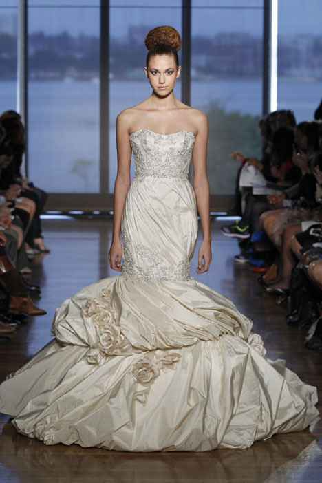 Aella gown from the 2014 Ines Di Santo collection, as seen on dressfinder.ca