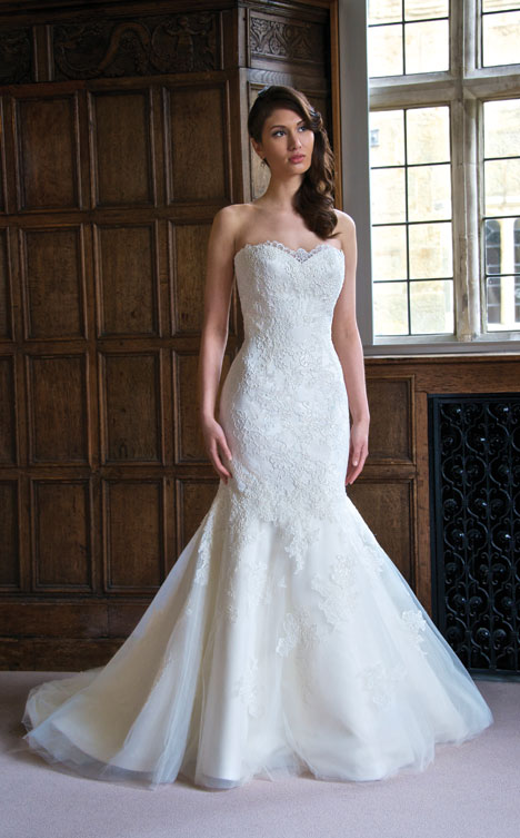 Maria gown from the 2014 Augusta Jones collection, as seen on dressfinder.ca
