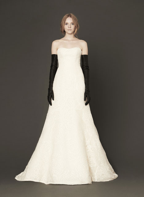 Margo gown from the 2014 Vera Wang collection, as seen on dressfinder.ca