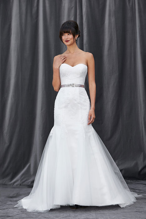 Frieda gown from the 2014 Lis Simon collection, as seen on dressfinder.ca