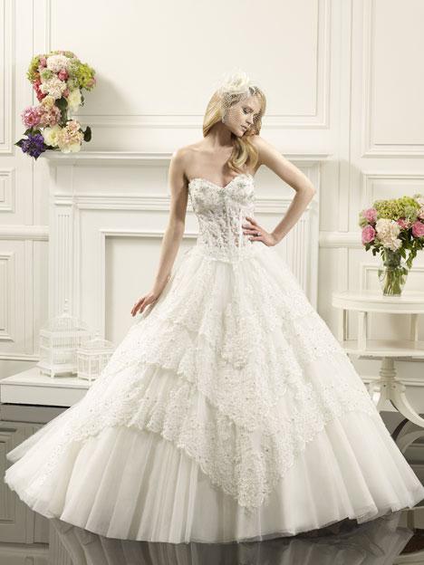 Snow Wedding dress by Val Stefani