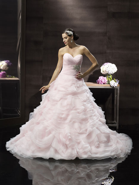 H1241 Wedding                                          dress by Moonlight : Couture