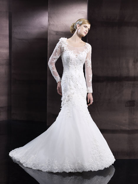 H1242 Wedding                                          dress by Moonlight : Couture