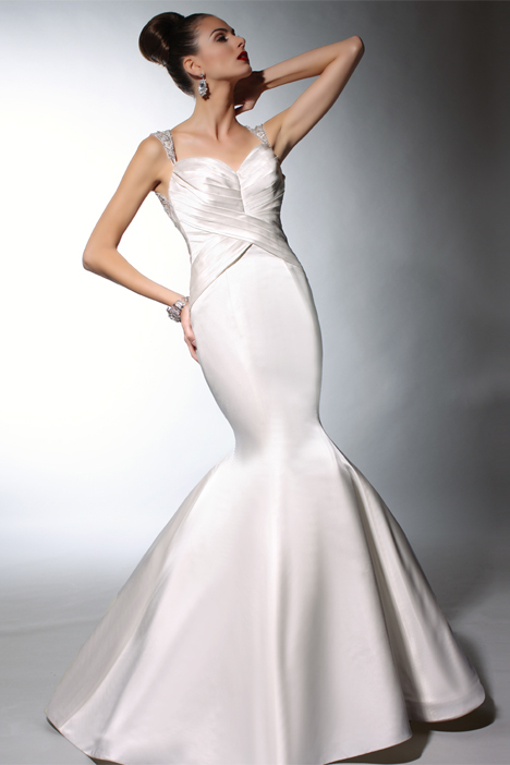 VH146 Wedding                                          dress by Victor Harper