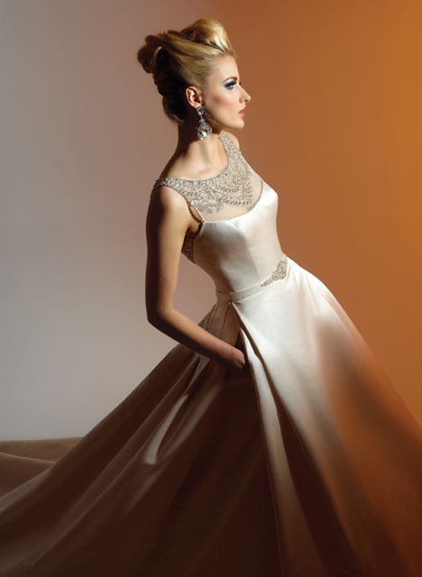 VHC205 Wedding                                          dress by Victor Harper : Couture