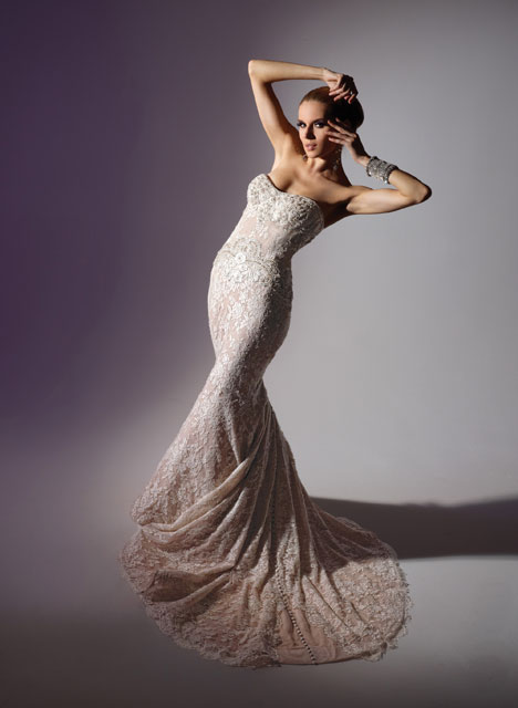 VHC243 Wedding                                          dress by Victor Harper : Couture