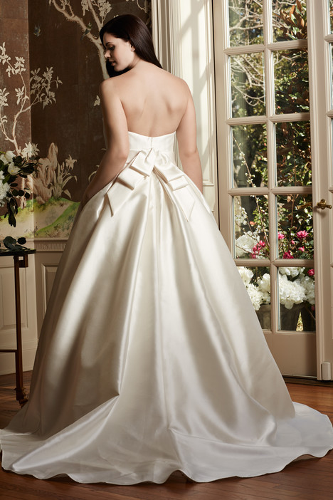 Silvia (back) Wedding                                          dress by Wtoo Curve