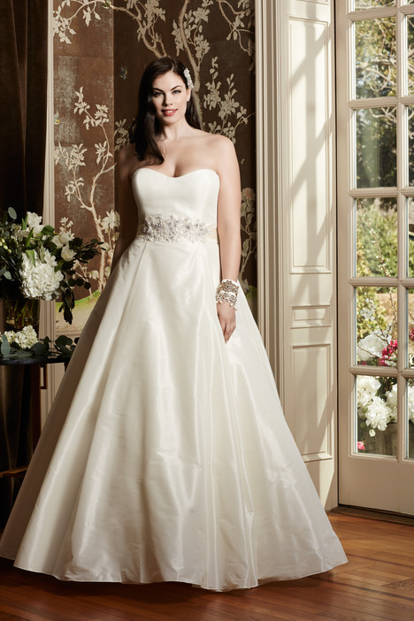 Augusta gown from the 2014 Wtoo Curve collection, as seen on dressfinder.ca