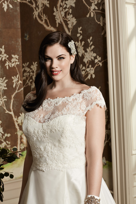Danica Bolero Wedding                                          dress by Wtoo Curve