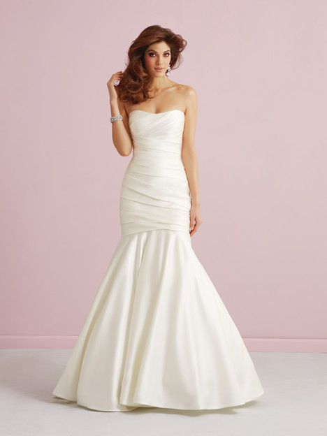2752 gown from the 2014 Allure Bridals : Allure Romance collection, as seen on dressfinder.ca