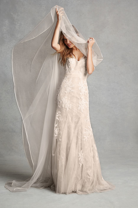 1514 gown from the 2015 Monique Lhuillier: Bliss collection, as seen on dressfinder.ca