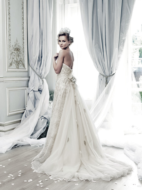 Antilies (back) Wedding                                          dress by Ian Stuart