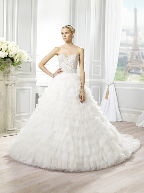 H1277 Wedding                                          dress by Moonlight : Couture