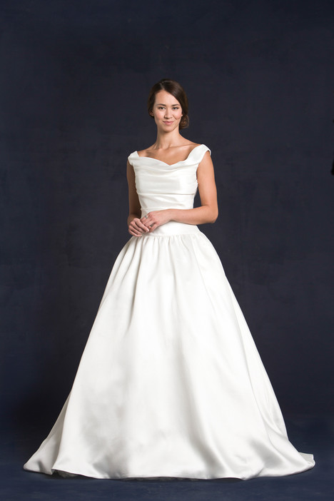 Gilmore gown from the 2015 Lis Simon collection, as seen on dressfinder.ca