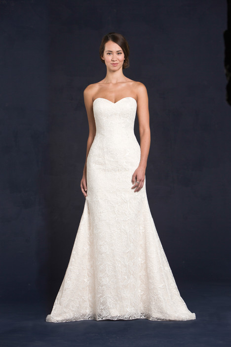 Ginnifer gown from the 2015 Lis Simon collection, as seen on dressfinder.ca