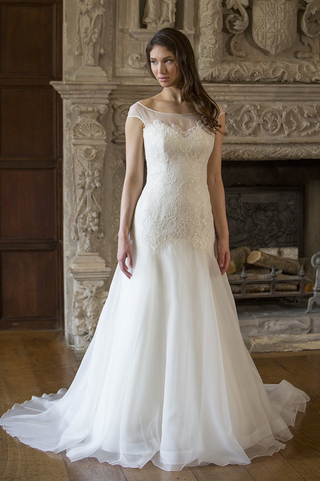 Tracy gown from the 2015 Augusta Jones collection, as seen on dressfinder.ca