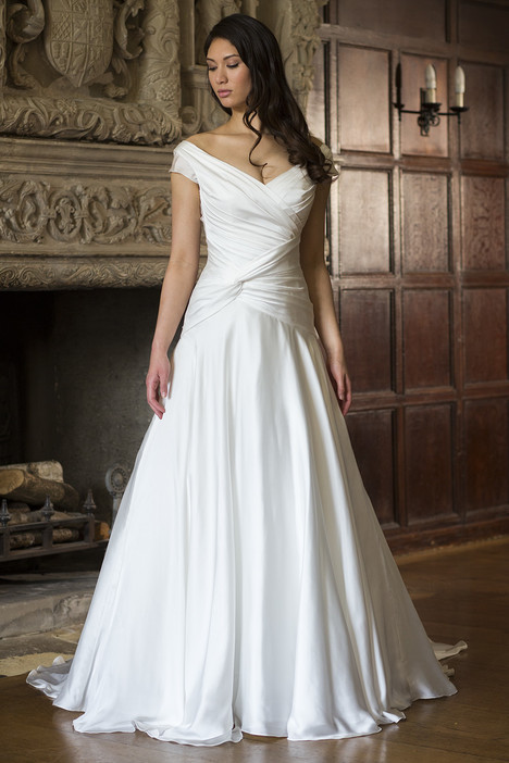 Victoria gown from the 2015 Augusta Jones collection, as seen on dressfinder.ca