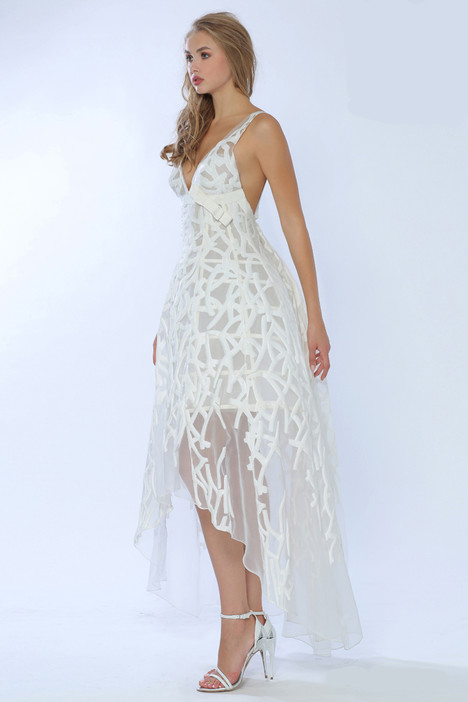 4226 gown from the 2015 Gemy Maalouf collection, as seen on dressfinder.ca