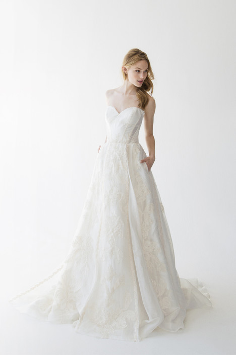 Runa gown from the 2015 Kelly Faetanini collection, as seen on dressfinder.ca