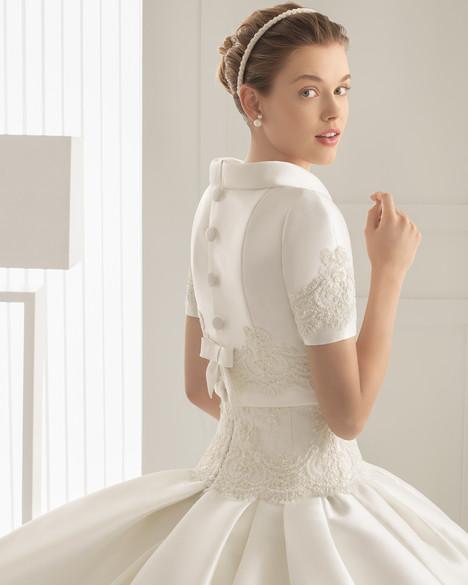Sibala + Jacket Wedding dress by Rosa Clara Couture
