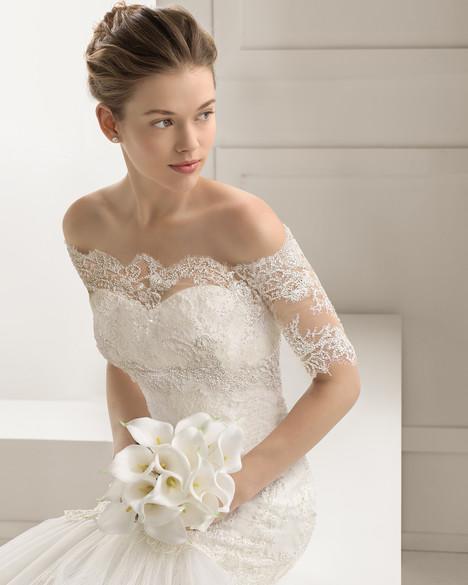 Sabor + Jacket Wedding                                          dress by Rosa Clara Couture