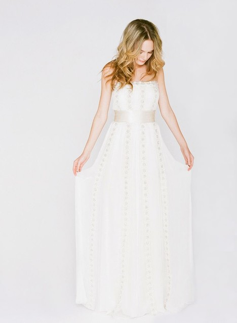 BT6900 Wedding                                          dress by Saja Wedding