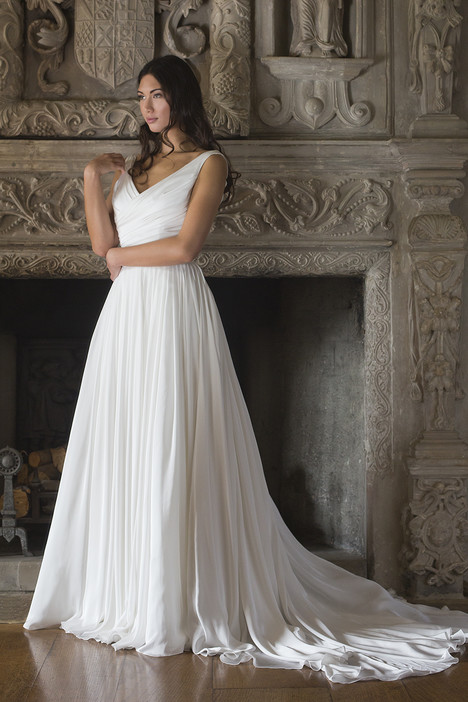 Kathleen gown from the 2015 Augusta Jones collection, as seen on dressfinder.ca