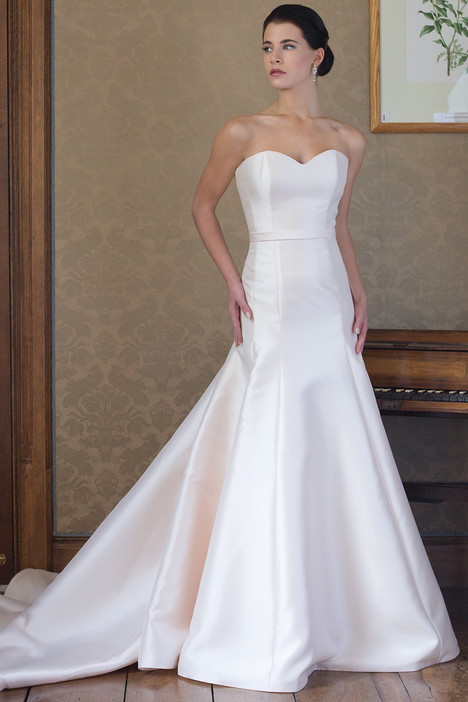 Rebecca gown from the 2015 Augusta Jones collection, as seen on dressfinder.ca