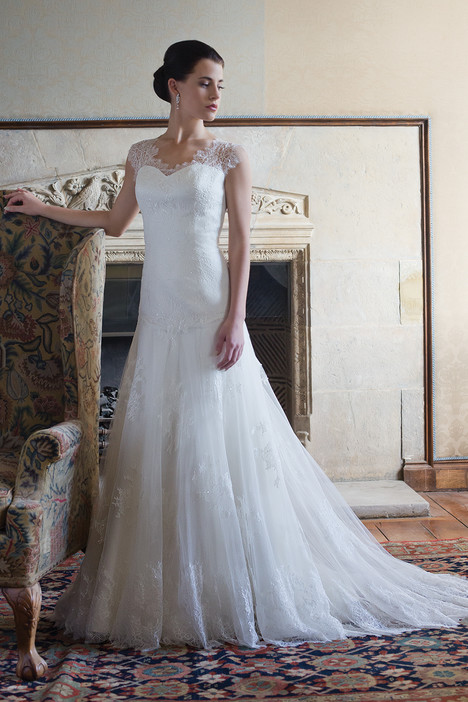 Tara gown from the 2015 Augusta Jones collection, as seen on dressfinder.ca