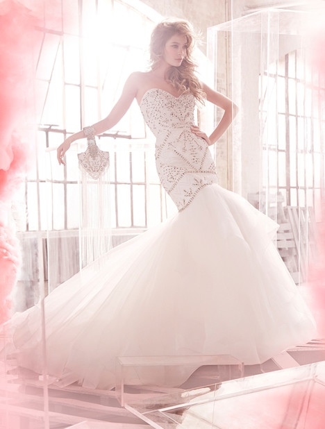 Harley (6503) gown from the 2015 Hayley Paige collection, as seen on dressfinder.ca