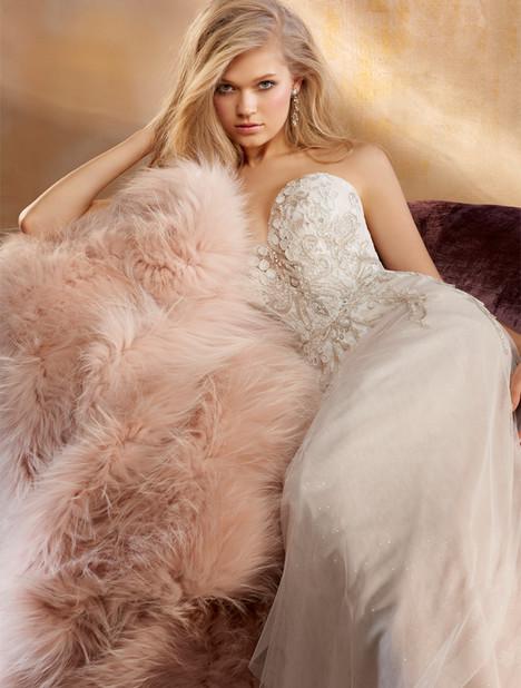 9504 Wedding                                          dress by Alvina Valenta