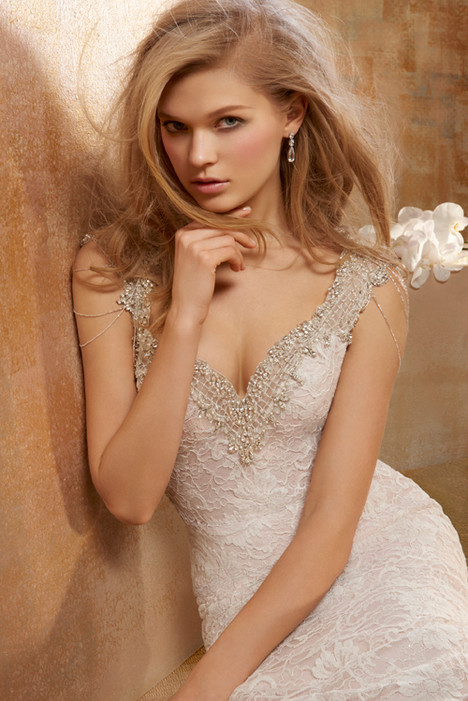 9511 Wedding                                          dress by Alvina Valenta